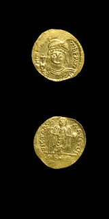 Byzantine Gold Solidus of Emperor Maurice Tiberius