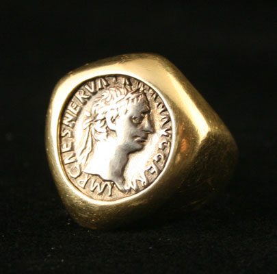Gold Ring Featuring a Silver Denarius of the Emperor Trajan