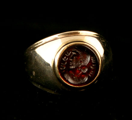 Gold Ring Featuring a Sassanid Carnelian Seal Depicting a Royal Portrait
