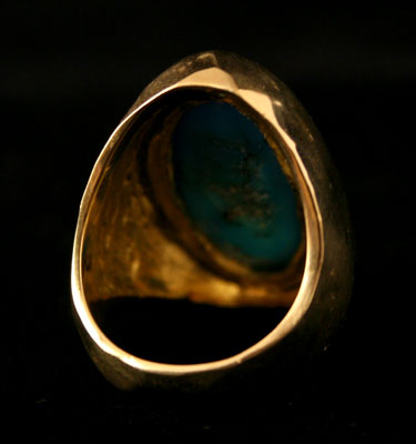 18 Karat Gold Ring Featuring a Turquoise