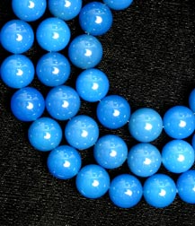 Blue-Dyed Chalcedony Bead Necklace