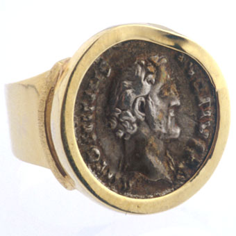 Silver Denarius Of Roman Emperor Antonius Pius Set In An 18 Karat Gold Ring