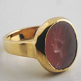 Gold Ring with Classical Revival Carnelian Intaglio of Tyche