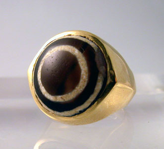 Gold Ring Featuring an Iron Age Eye-Agate