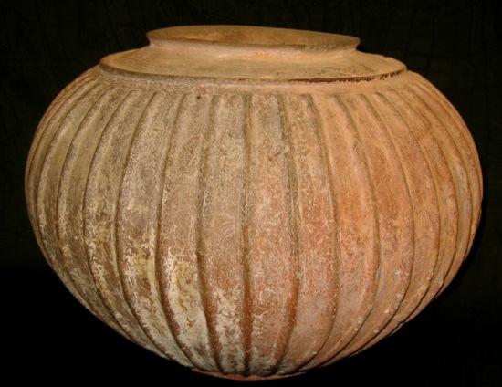 Etruscan Impasto War Ribbed Jar