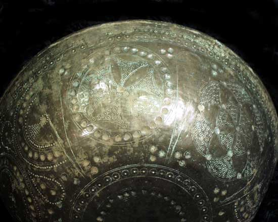 Ghaznavid Bronze alloy Bowl with Incised Decoration