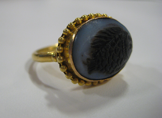Agate Cameo  Ring with Fish Motif
