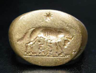 Gold Seal Ring Featuring Romulus and Remus