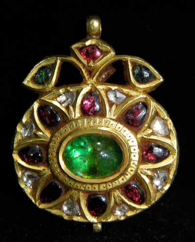 Inlaid Mughal Gold Pendant