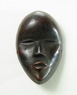 Dan Wooden Pendant in the Form of a Deangle Mask