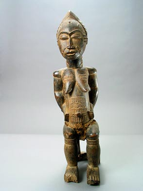 Guro Wooden Sculpture of a Seated Woman