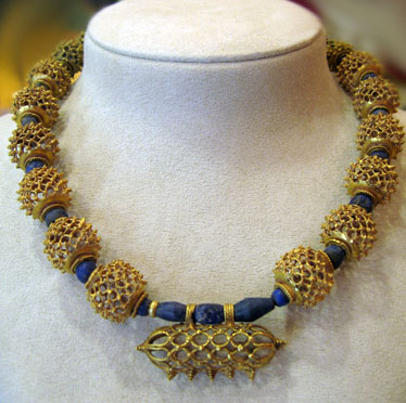 Fatimid Gold Necklace with Lapis Lazuli Beads