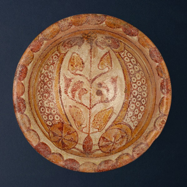 Earthenware Bowl with Bird Motifs