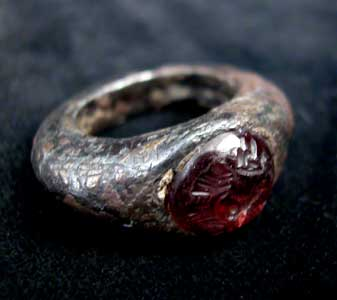 Sassanian Silver Ring Set with a Garnet Intaglio
