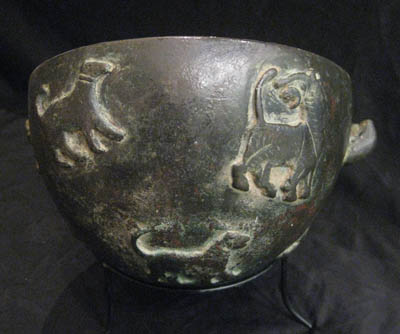 Bowl with Animal Decorations